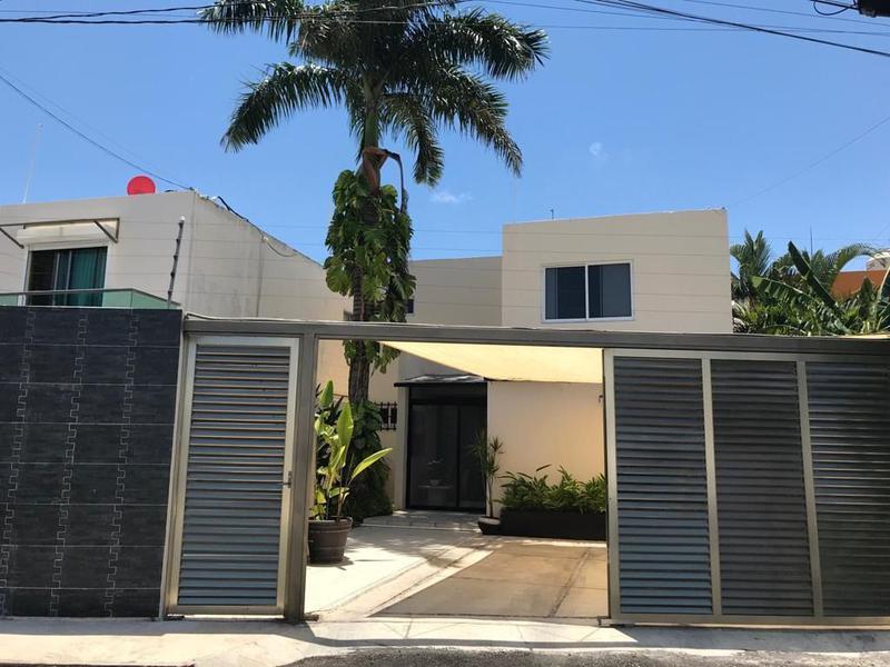 Foto Casa en Venta en  Alamos II,  Cancún  CASA EN VENTA EN CANCUN POR LA HUAYACAN