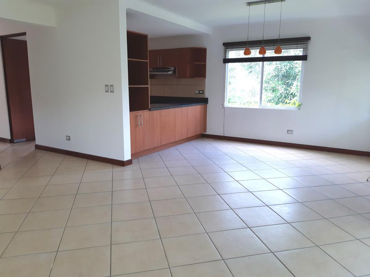 Foto Casa en condominio en Venta en  San Rafael,  Escazu   Guachipelin/ Vista/ Cuarto de Servicio/ Piscina