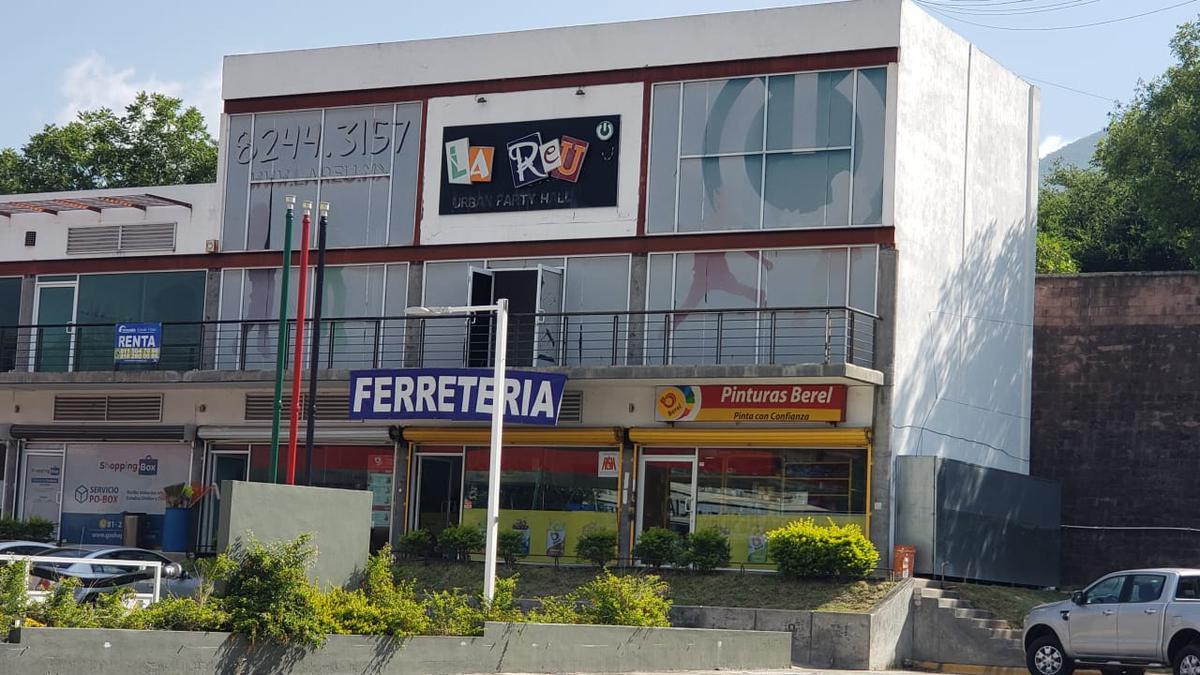 Foto Local en Renta en  Los Cristales,  Monterrey  PLAZA LOS CRISTALES, CARRETERA NACIONAL