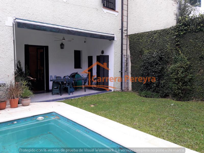 Foto Casa en Venta en  Olivos-Vias/Maipu,  Olivos     Lindísima casa de 6 ambientes con jardín y pileta