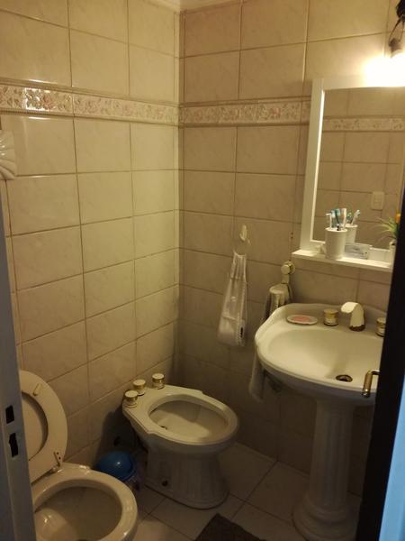 Foto Casa en Venta en  Haedo Sur,  Haedo  Libertad al 700