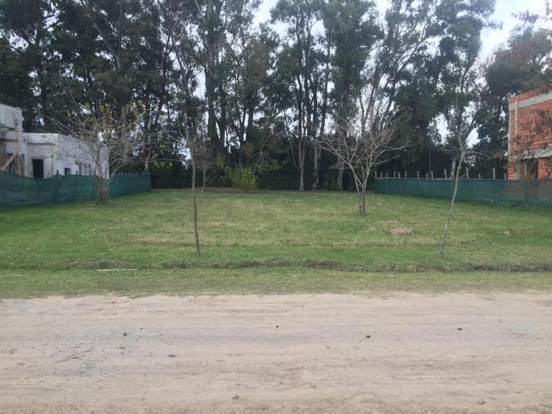 Foto Terreno en Venta en  City Bell,  La Plata  City Bell