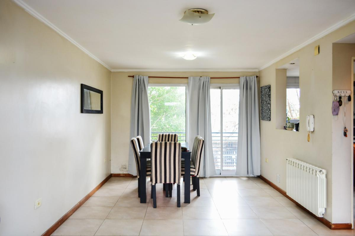 Foto Casa en Venta en  La Plata ,  G.B.A. Zona Sur  Casa/Triplex 3 dormitorios- La Plata - 69 19 y 20