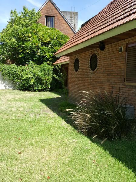 Foto Casa en Venta en  Adrogue,  Almirante Brown  LOS PLATANOS 1633, Entre Av. Espora y Comodoro Py