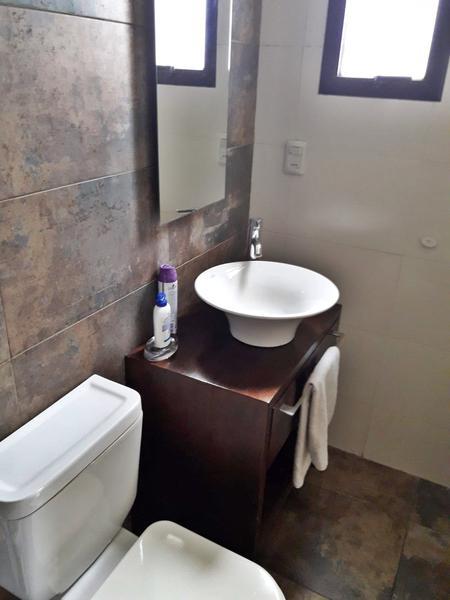 Foto Departamento en Venta en  Ciudad Vieja ,  Montevideo  Sobre peatonal, Apartamento nuevo, vivienda, profesionales u oficinas, Inversionistas