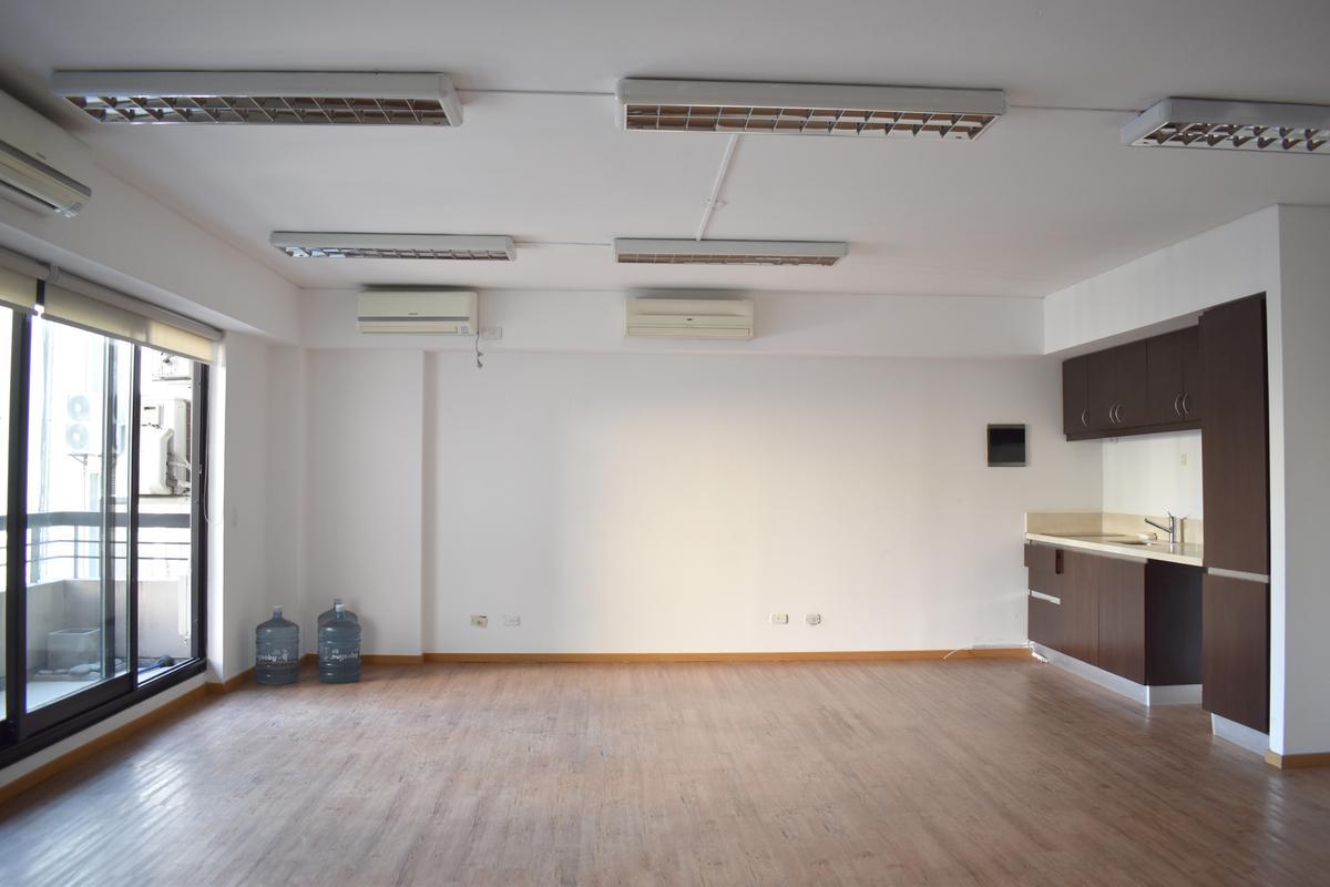 Foto Oficina en Alquiler en  Retiro,  Centro (Capital Federal)  Basavilbaso al 1300