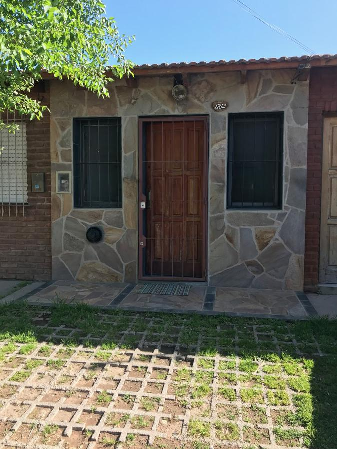 Foto Departamento en Alquiler en  Neuquen,  Confluencia  Dpto. 1 Dormitorio - Alberti N° al 1700 - Neuquén capital