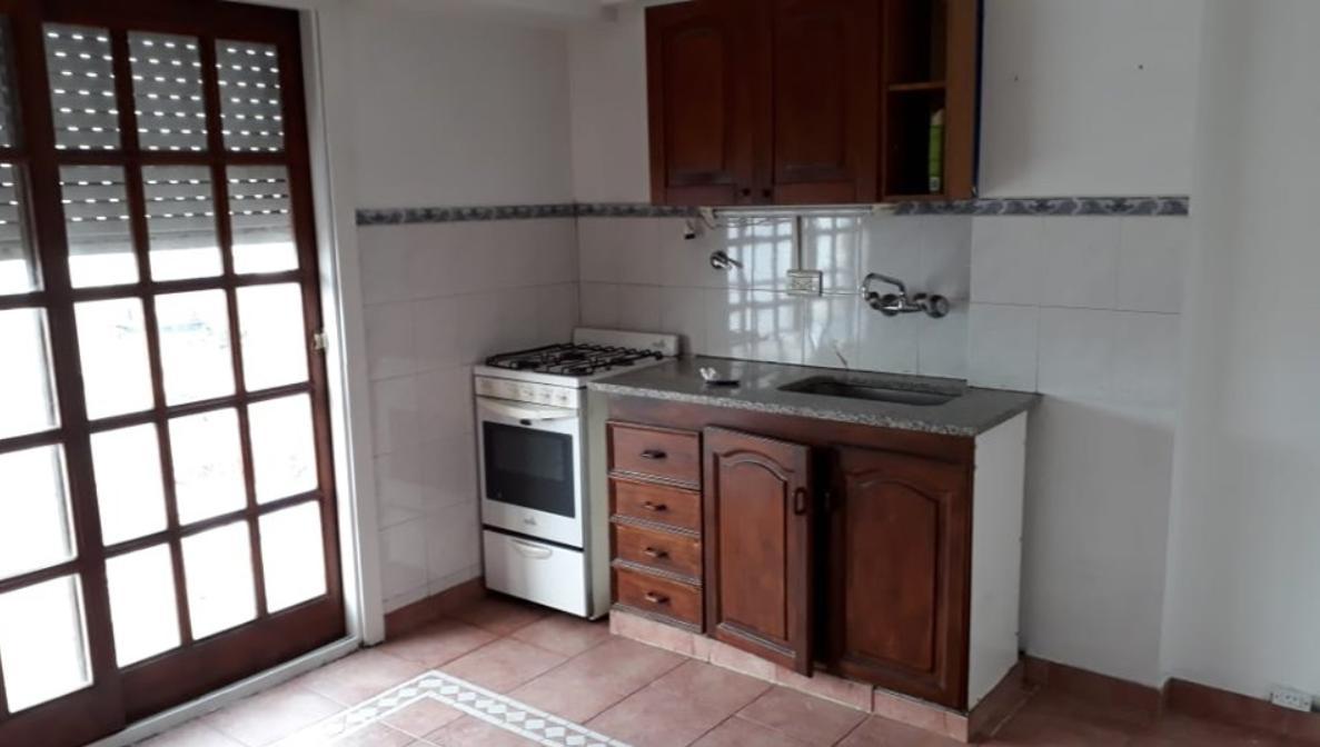 Foto Departamento en Alquiler en  La Plata,  La Plata  8 e/ 44 y 45