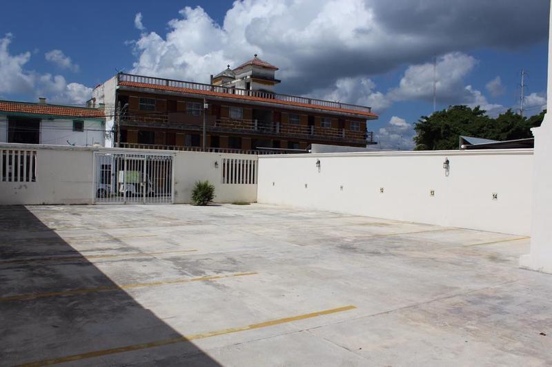 Foto Edificio Comercial en Renta en  Playa del Carmen Centro,  Solidaridad  Rento Edificio Playa del Carmen, Escuela, Clinica, Agencia, Oficinas,