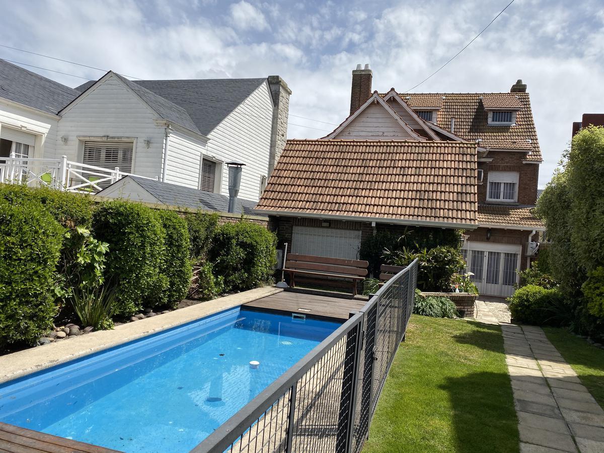 Foto Casa en Venta en  Stella Maris,  Mar Del Plata  Mendoza 2450 , entre Falucho y Gascon