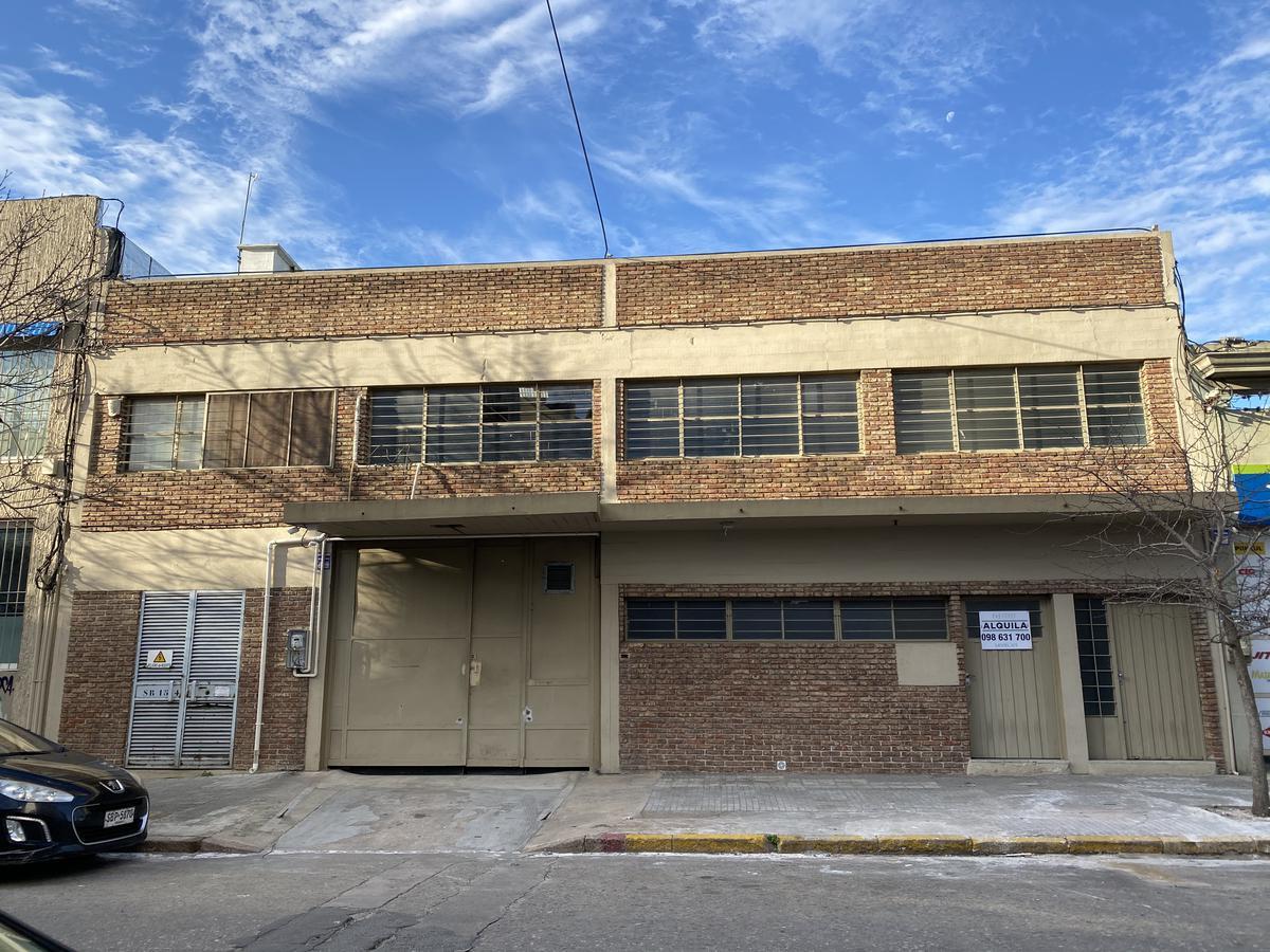 Foto Depósito en Alquiler en  La Comercial ,  Montevideo  Batovi 2076/78