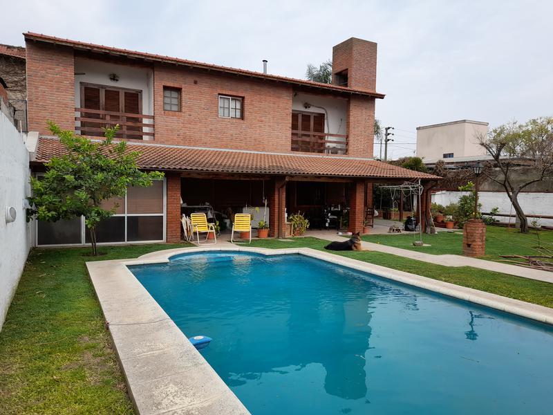 Foto Casa en Venta en  Esc.-Centro,  Belen De Escobar  Asborno 1051