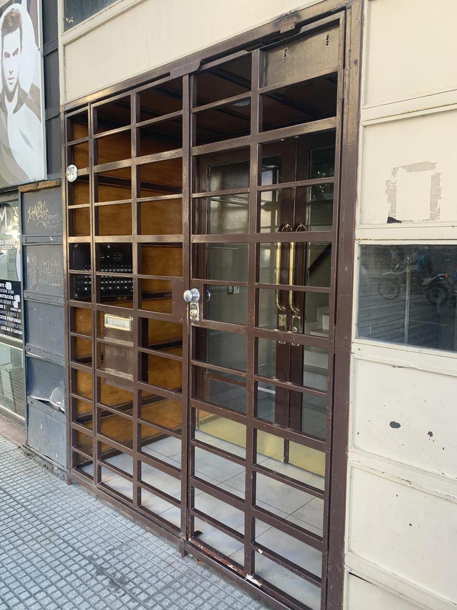 Foto Departamento en Alquiler en  Balvanera ,  Capital Federal  Av. Jujuy al 200