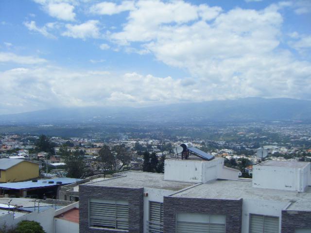 Foto Casa en Venta en  Cumbayá,  Quito  Venta linda Casa en Cunjunto, San Juan de Cumbaya, buen precio