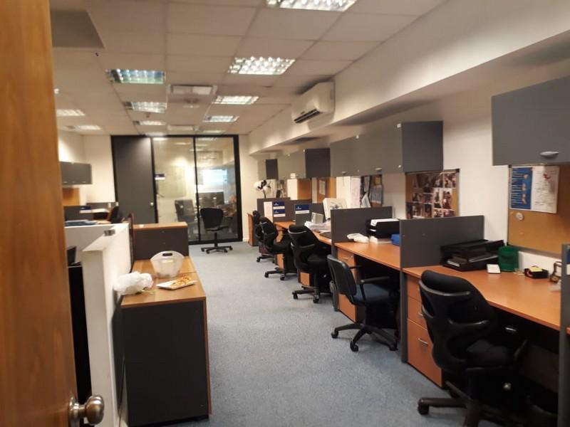 Foto Oficina en Alquiler en  Olivos,  Vicente Lopez  Maipú al 600