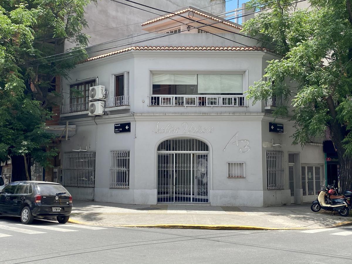 Foto Local en Alquiler en  Villa Urquiza ,  Capital Federal  Juramento al 5200