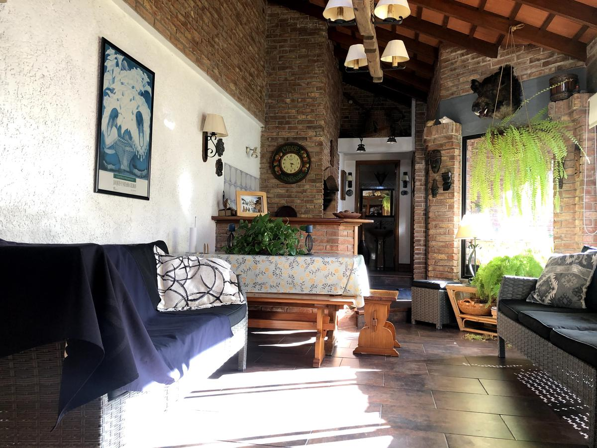 Foto Casa en Venta en  Pocitos ,  Montevideo  L. A. de Herrera y 26 de Marzo - Casa amplia en Padrón Único