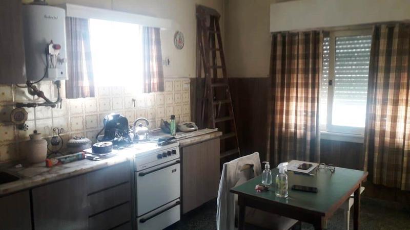 Foto Casa en Venta en  Lomas De Zamora ,  G.B.A. Zona Sur  ENTRE RIOS 266