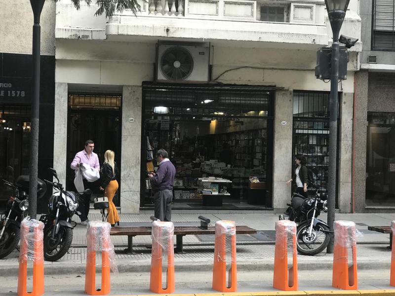 Foto Local en Alquiler en  Centro ,  Capital Federal  Lavalle al 1500