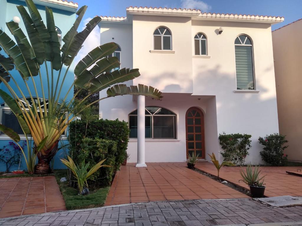 Foto Casa en Renta en  Solidaridad ,  Quintana Roo  Casa 2 Recamaras Playa Marbella en Renta