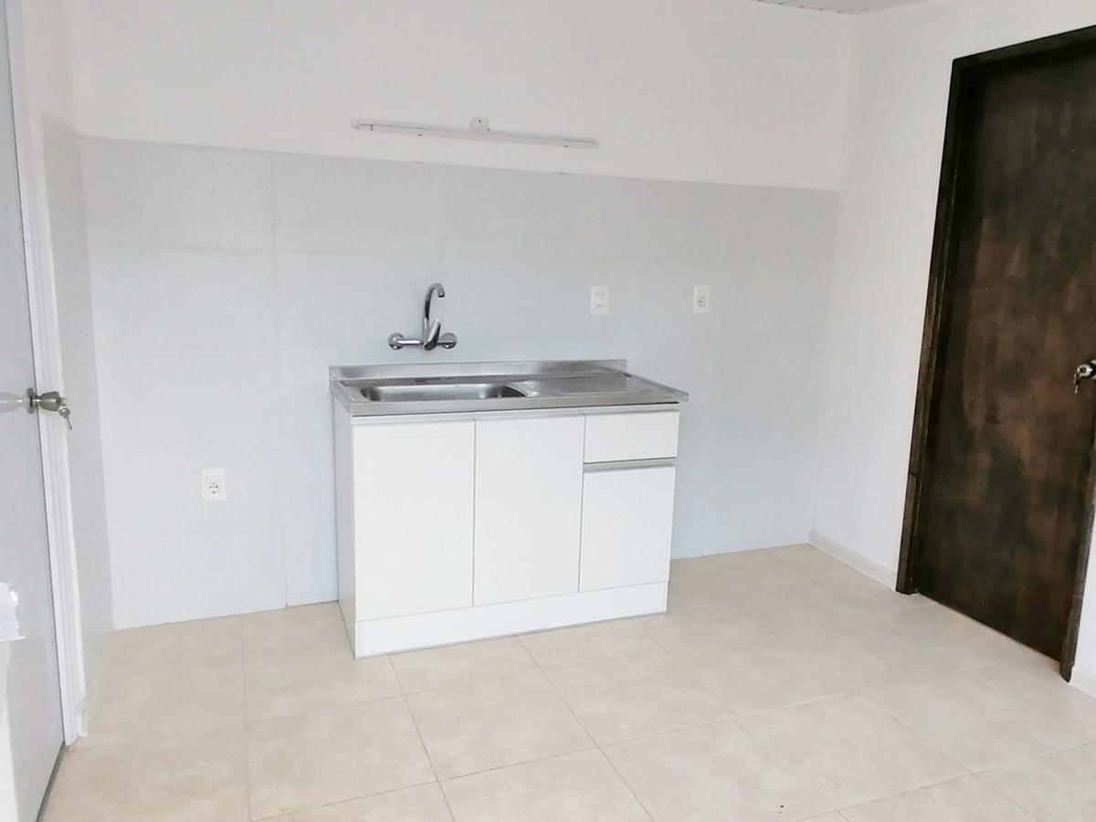 Foto Apartamento en Alquiler en  Peñarol ,  Montevideo  Volta 4842/05