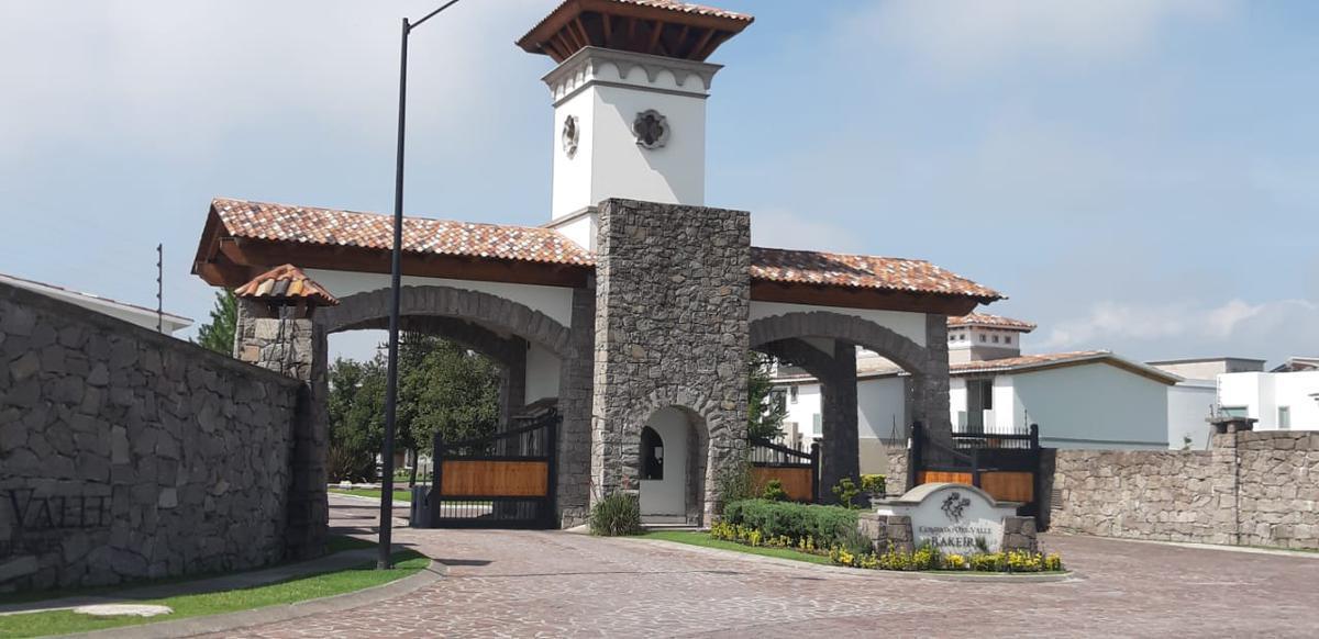 Foto Casa en condominio en Venta en  San Miguel Totocuitlapilco,  Metepec  Venta de Casa Nueva en Condado del Valle, Metepec