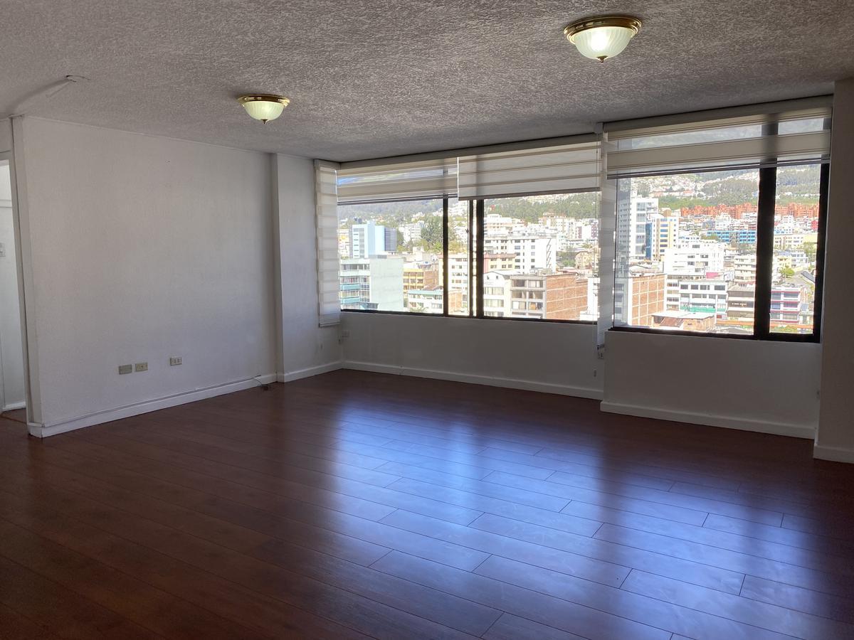 Foto Departamento en Alquiler en  La Carolina,  Quito  LA CAROLINA