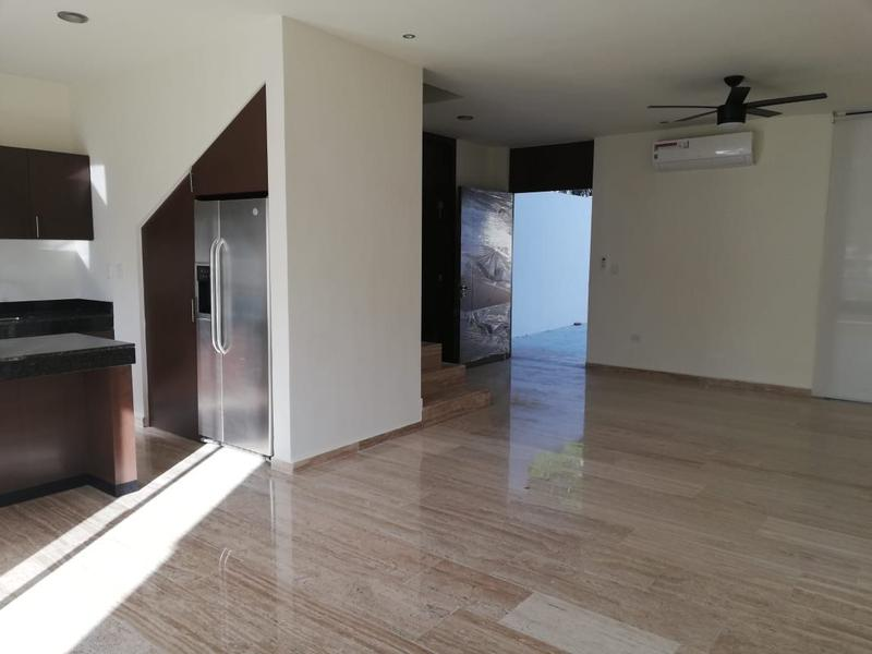 Foto Departamento en Renta en  Fraccionamiento Montebello,  Mérida  SE RENTA EXCLUSIVO TOWNHOUSE EN MONTEBELLO