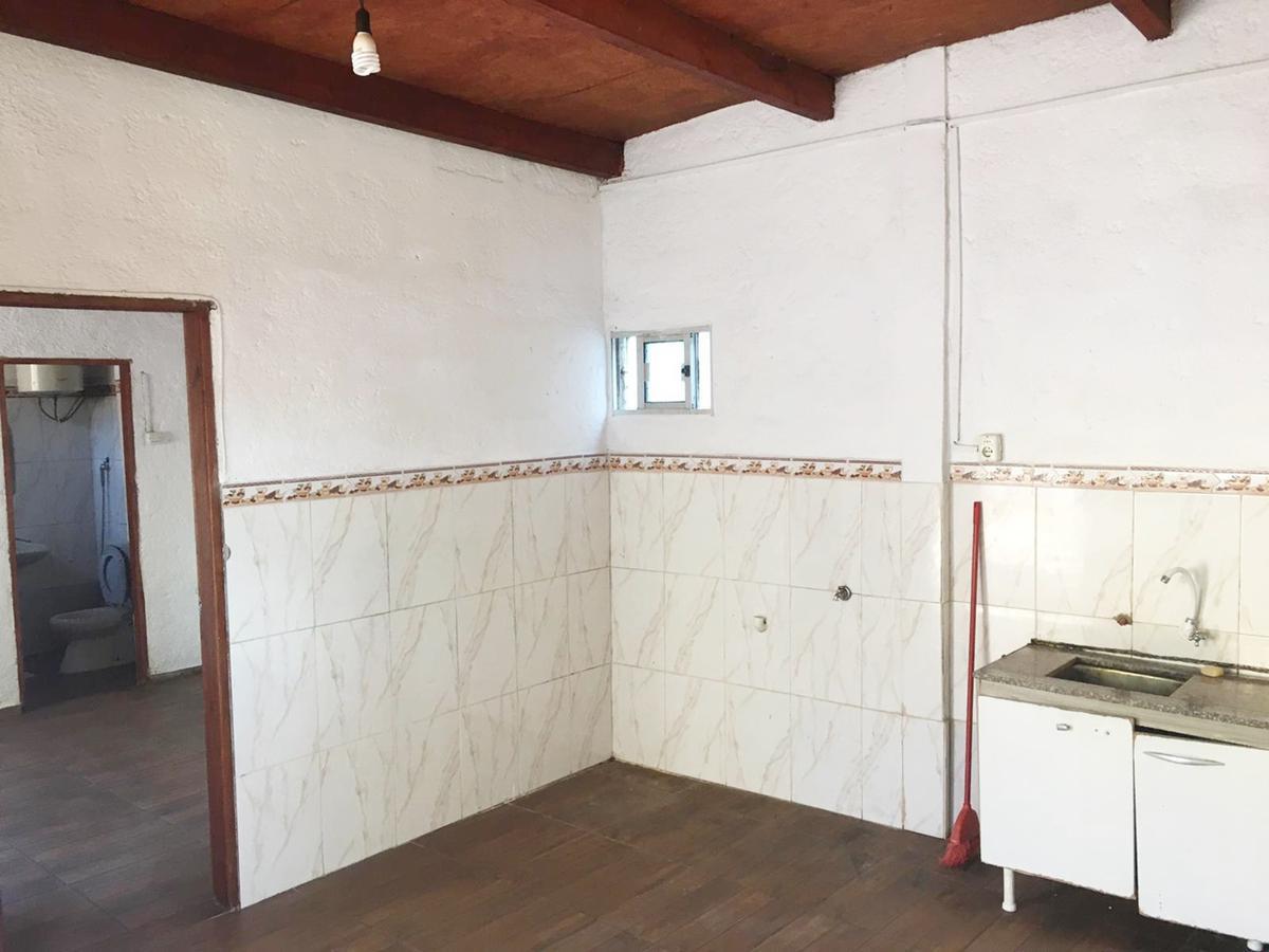 Foto Casa en Venta en  La Teja ,  Montevideo  Ascasubí esquina Gowland