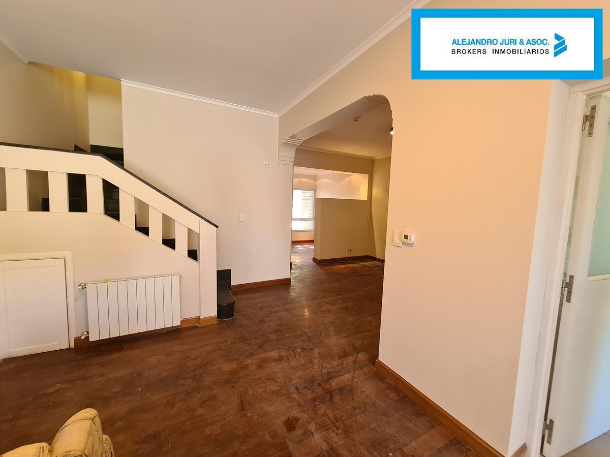 Foto Casa en Venta en  Alberdi,  Rosario  Casa 3 Dormitorios con Pileta en Alberdi Rondeau 1270