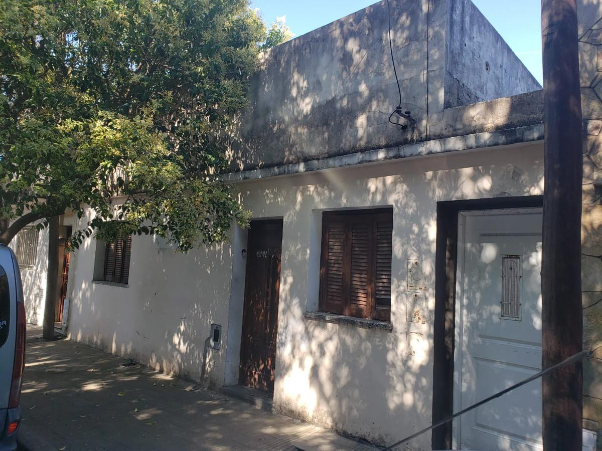 Foto Casa en Venta en  Azcuenaga,  Rosario  Pje. Guido al 1200