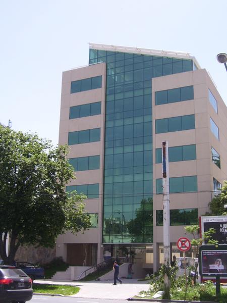 Foto Oficina en Alquiler en  Olivos-Vias/Rio,  Olivos  Av. del Libertador 2357