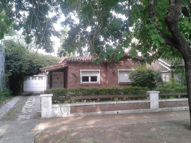 Foto Casa en Alquiler en  Adrogue,  Almirante Brown  EREZCANO 827, Entre Bynnon y Rosales