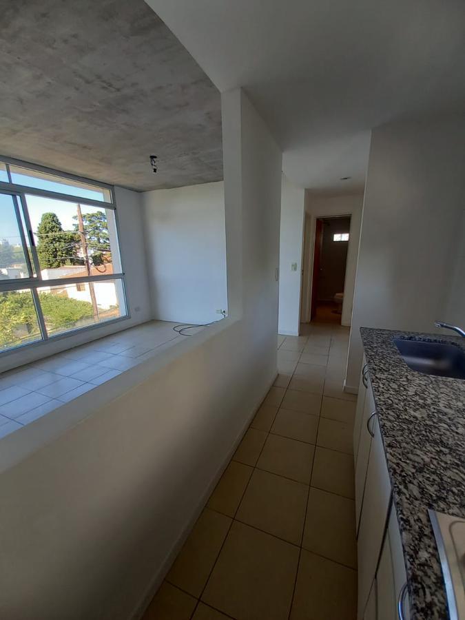 Foto Departamento en Venta en  San Miguel ,  G.B.A. Zona Norte  España al 700