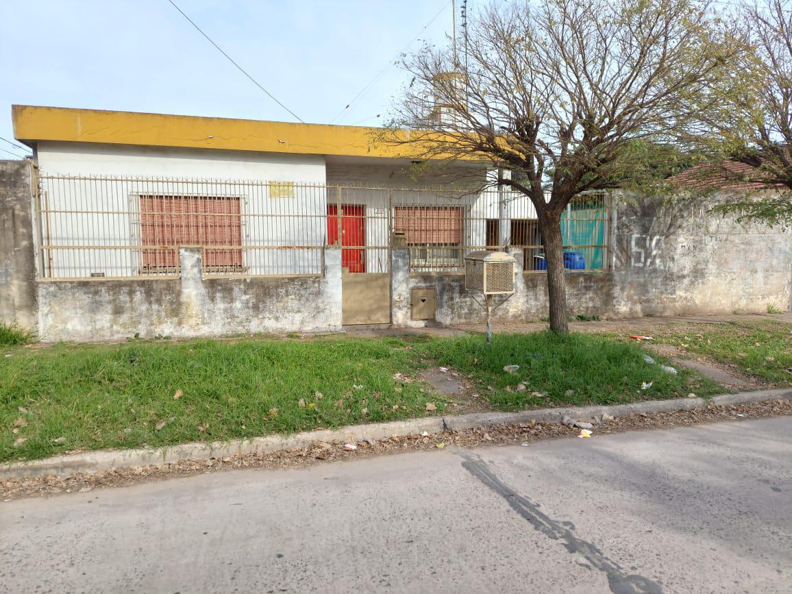 Foto Casa en Venta en  Parque San Martin,  Merlo   12 de Febrero esq. Einstein