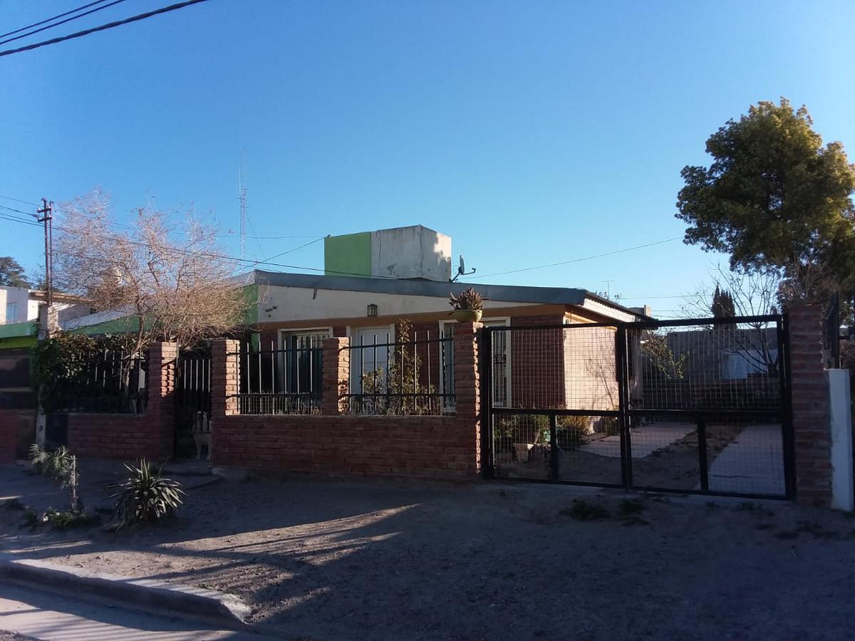 Foto Casa en Venta en  Puerto Madryn,  Biedma          Cólon entre L. Jones y Lavalle - COVITRE I