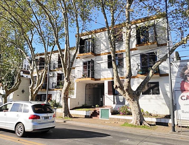 Foto Departamento en Alquiler en  La Lucila-Libert./Rio,  La Lucila  Del Libertador, Avda. al 3300