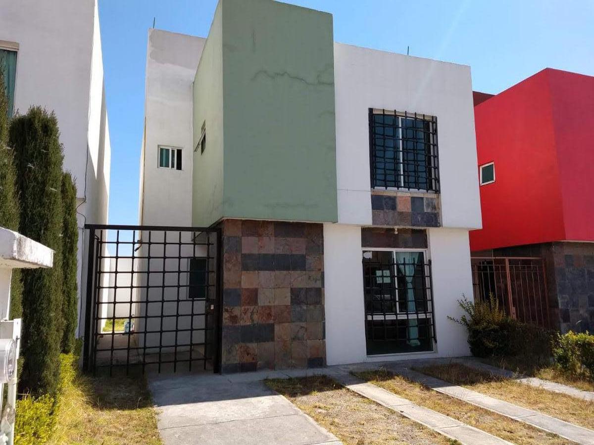 Foto Casa en condominio en Renta en  Urbano Bonanza,  Metepec  Jesus Guerrero Galvan