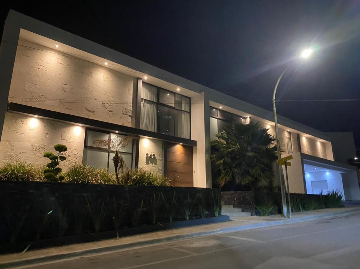 Foto Casa en Venta en  San Pedro Garza Garcia ,  Nuevo León  CASA EN VENTA EN COLONIA FUENTES DEL VALLE SAN PEDRO GARZA GARCIA NUEVO LEON
