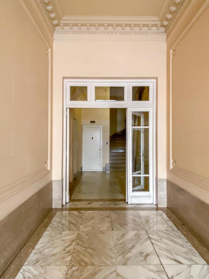 Foto Departamento en Alquiler en  Recoleta ,  Capital Federal  ARENALES AL 1100