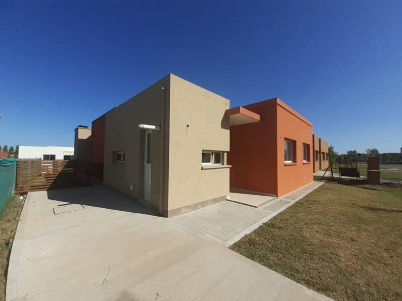 Foto Casa en Venta en  San Eduardo,  Pilar Del Este  SAN EDUARDO OPORTUNIDAD SOBRE LOTE CENTRAL