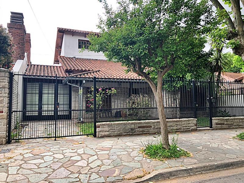 Foto Casa en Alquiler en  V.Ade.-P.Cisneros,  Villa Adelina  Manuelita Rosas al 1500