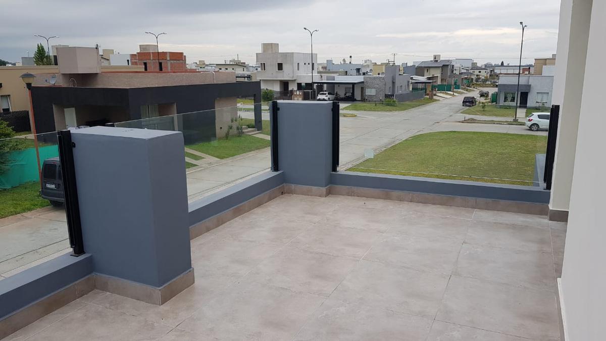 Foto Casa en Venta en  Countries/B.Cerrado (Yerba Buena),  Yerba Buena  Countries/B.Cerrado (Yerba Buena)