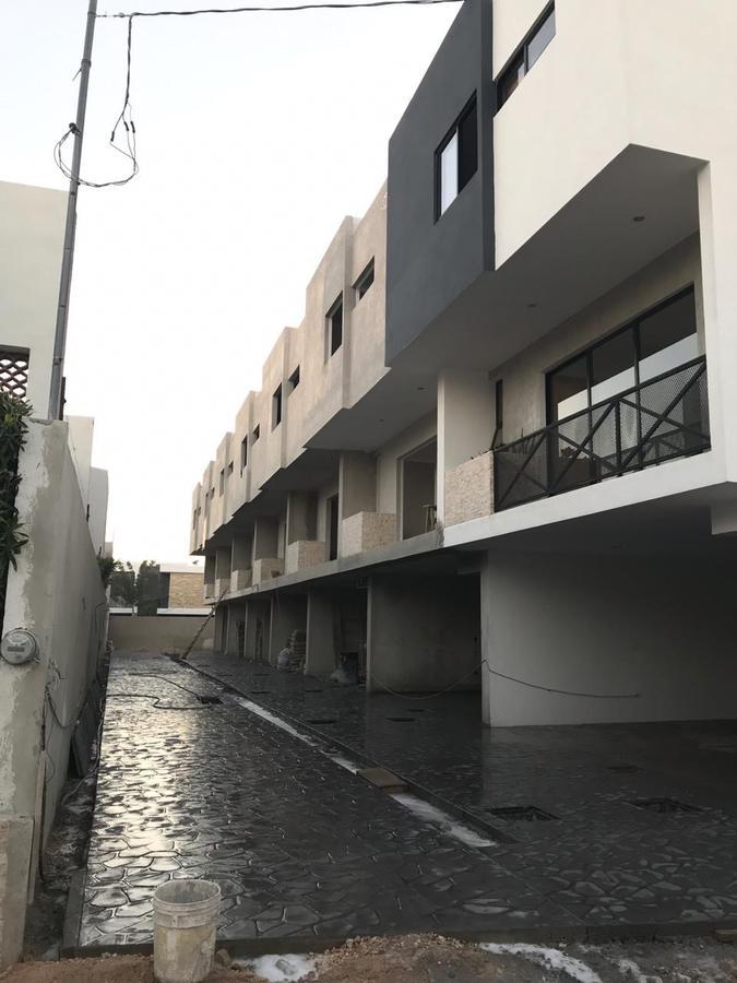 Foto Departamento en Venta en  Fraccionamiento Montebello,  Mérida  Bellos Townhouse listos para estrenar al Norte de Merida