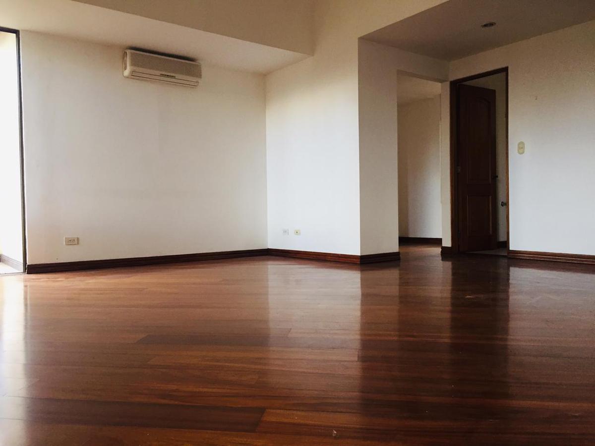 Foto Departamento en Renta en  Escazu,  Escazu  Escazú/ 3 habitaciones/ Vista / Piscina / Gym / a 2 min de La Paco