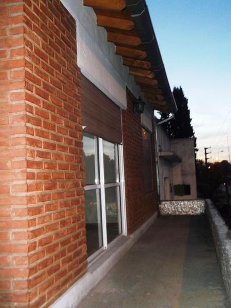 Foto Local en Venta en  Bella Vista,  San Miguel  Presidente Arturo U. Illia al 800