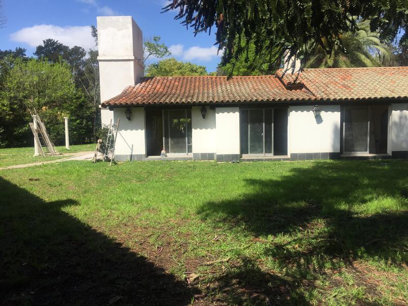 Foto Casa en Venta en  Barrio Parque Leloir,  Ituzaingo  Payadores al 1500