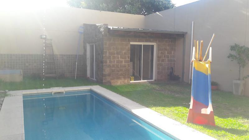 Foto Casa en Venta en  Lanús Oeste,  Lanús  Rio de Janeiro   2500