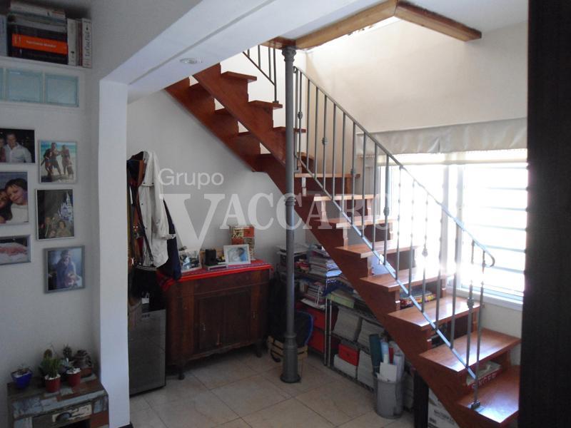 Foto Casa en Venta en  Castelar Norte,  Castelar  GRAL. MUNILLA entre AVELLANEDA NICOLAS y CASARES CARLOS