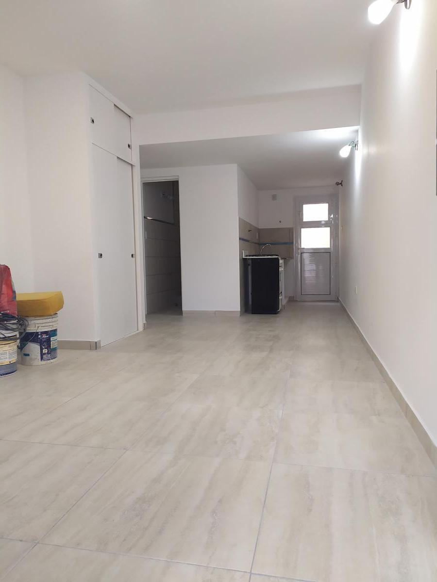 Foto Departamento en Alquiler en  Capital ,  Neuquen  Castelli al 200